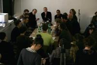 studio 'round-table'